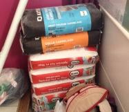 Sacs de joint et colle pour le carrelage des salles de bain de notre Maison Phénix