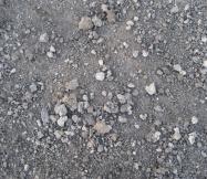 Voici quelques petites pierres présentes dans notre futur jardin.