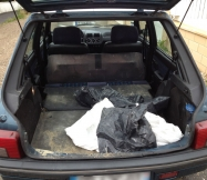 Notre petite voiture a été mise à contribution pour transporter les sacs à la déchèterie.