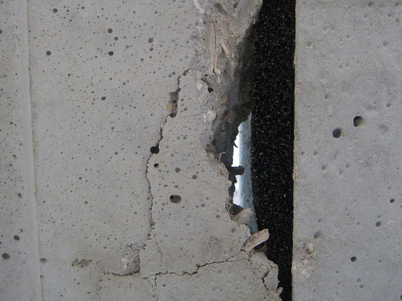 Charpente et pose de corniches termin es ma maison phenix for Maison en plaque de beton