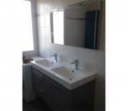 Nos meubles de salle de bain avec le miroir