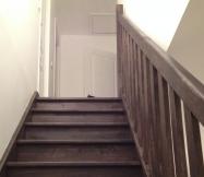 Vue d'en bas de notre escalier.