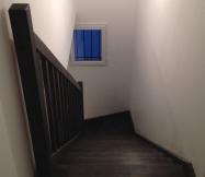 La teinture de notre escalier est terminée.