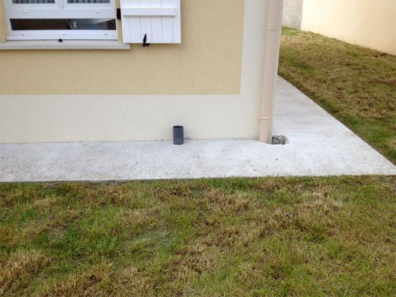 Travaux ext rieurs mise en place de grilles sur les for Maison vide sanitaire