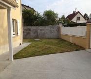 Nous avons opté pour une coupe très courte de l'herbe de notre jardin.