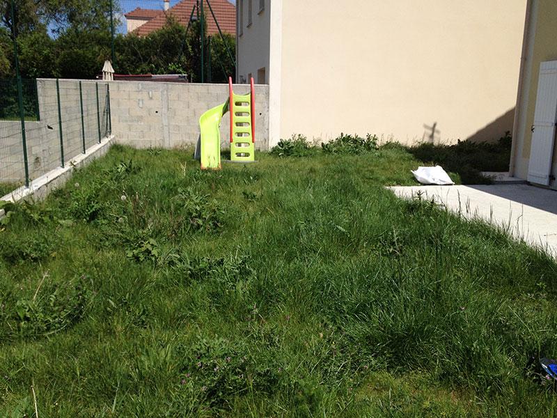 Jardin le d broussaillage au rotofil ma maison phenix for Debroussaillage jardin