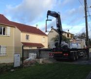Livraison du matériel pour la construction du mur de clôture de notre Maison Phénix