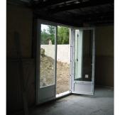 une des porte fenêtre du rez-de-chaussée