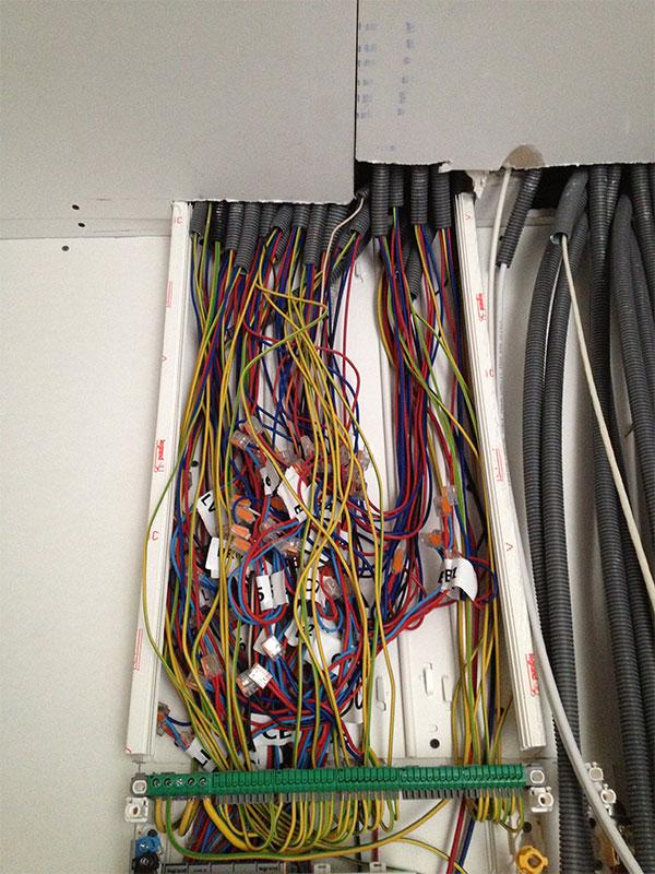 Tout le câblage de notre tableau électrique.
