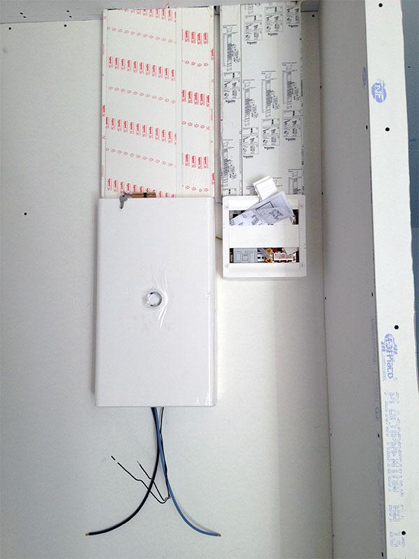 Le tableau électrique et son boitier DTI.