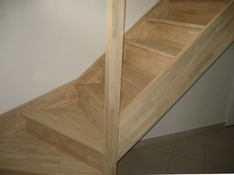 escalier de maison escalier moderne pour interieur de la. Black Bedroom Furniture Sets. Home Design Ideas