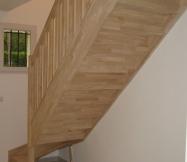 L'escalier en sapin de notre Maison Phénix