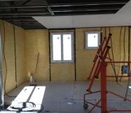 Fin de la mise en place du plafond du 1er étage de notre Maison Phénix