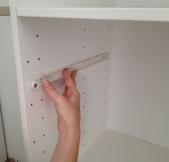 Mise en place des rails du tiroir.