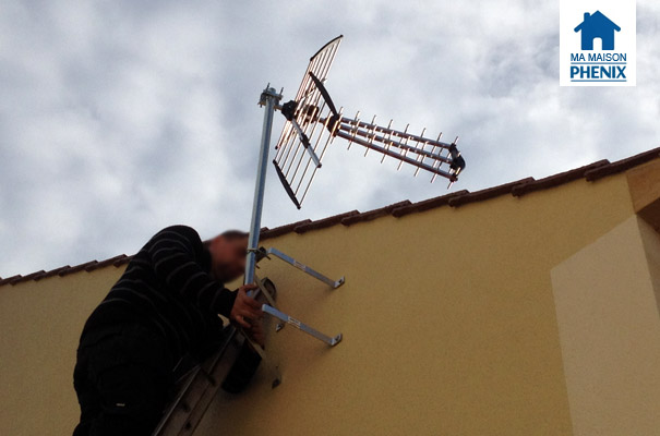 Pose de l antenne t l ma maison phenix for Antenne cellulaire maison