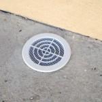 Travaux extérieurs : mise en place de grilles sur les sorties d'aération du vide sanitaire